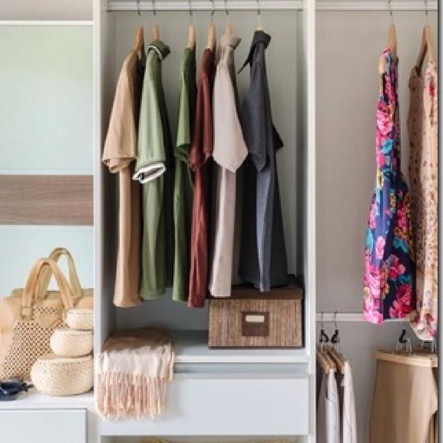 【やかまし村のギャラリー】増え続ける家族みんなの洋服  整理収納計画