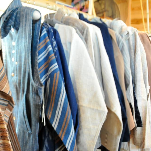 【やかまし村のギャラリー】うさとの服 展示販売会