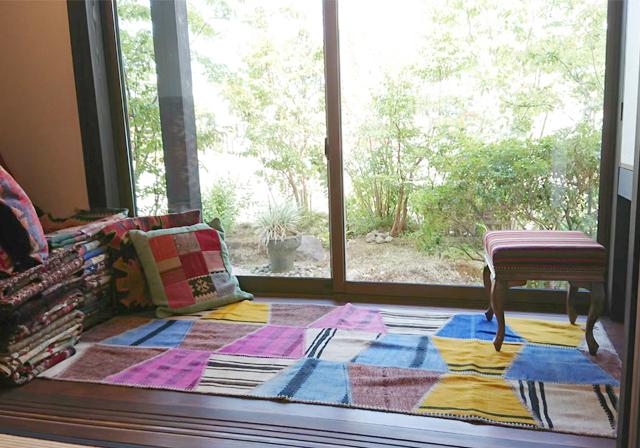 オリエント手織り敷物