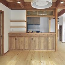 薪ストーブに家族が集い、ゆったりくつろげる家。/筑紫野市二日市