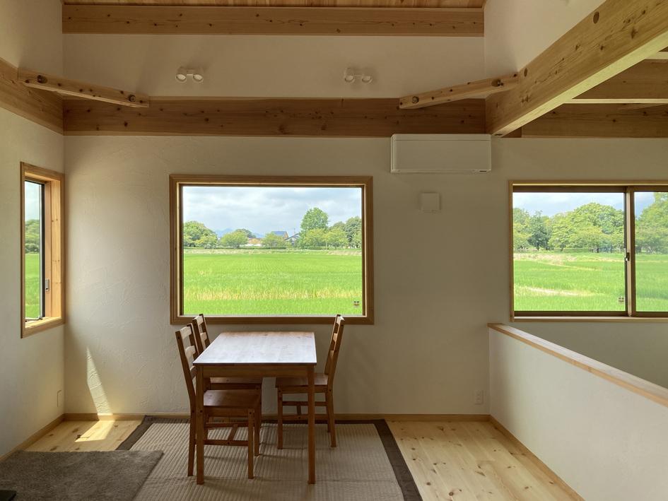 田園風景や桜並木を借景に取り込んだ家づくり。/佐賀市大和町