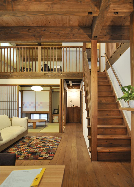 「和」が潜むモダンな木の家